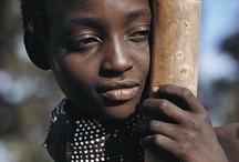 Afrikai gyerekek és felnőttek