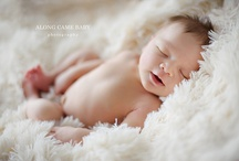 Newborns Babies Toddlers & Families | Inspiration Gallery / Our favorite Newborn & Family photography around the world.