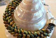 Beads - Long magatamas