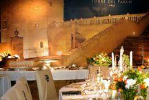 Torre del Parco Lecce  / Una location per matrimonio quattrocentesca dove coronare il proprio sogno d'amore. Il Castello è a Lecce ed è dotato di sale romantiche e sfarzose. Gli ambienti esterni come il terrazzo panoramico e il giardino accoglieranno amici e parenti.