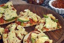 Pizzas, Veg Pizzas / Tarla Dalal brings you the best Veg Pizzas.