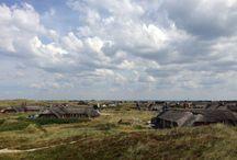 Klegod / Ein schönes Ferienhausgebiet an der Nordsee mit vielen reetdedeckten Häusern.