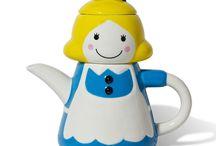 Teapots & Teasets / by Keiko Garcia