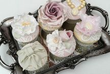 Vintage Cupcakes / Vintage Cupcakes perfect for a beautiful wedding