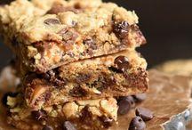 Traybake Recipes / brownie, brownies, brownie bars, cookie bars, blondies, sweets, sweet recipes, easy brownies, chocolate brownies, chocolate bars, shortbread