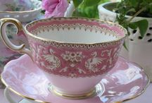 Tea time / Pretty tea cups and cafes
