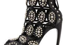 Sapato alto criativo