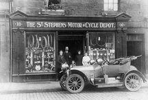 ⓞld Cars ☆ Lady drivers / Vintage, stars, history, B&W, pin up, automobile, Fashion