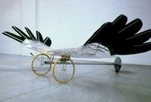 3e klas: voertuig / Maak van ijzerdraad, blik,zink en gaas op schaal een transportmiddel waarmee je je kunt vervoeren.  / by Bouwens kunst B