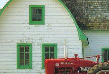 Barns / by Lisa Joachim