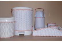 Artesanato da Nice / Sou artesã e trabalho com Vime sintético e mdf. Tenho Kit higiêne bebê,Potes para ração de animais de estimação,Utensílios para cozinha,banheiro,vasos. e-mail:artesanato-da-nice@hotmail.com