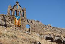 Catalunya: Sanaüja (Segarra). Catalonia. Lleida / Pueblo catalán del extremo norte de la comarca de la Segarra. Tiene restos de un castillo del siglo XI y un puente medieval. Iglesia de Santa María del Pla, del siglo XVIII.