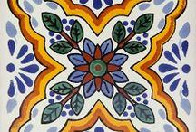 Płytki meksykańskie talavera - oryginalne rękodzieło / Zapraszamy do zapoznania się z ofertą naszego sklepu Kolory Meksyku. Znajdziesz u nas wyjątkowe meksykańskie rękodzieła.. http://www.kolorymeksyku.pl #płytki #meksykańskie #talavera #tiles #azulejos
