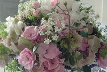arrangements that are pleasing to my eye / flowers....what a beautiful gift from our Creator.... / by Deborah Thompson