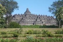 Borobudur Buddhist Temple / Borobudur temple is one of wonders building on the world which is recognised by the UNESCO. It was built early 8th century AD during the Chailendra dynasty, king named Samarathungga. Lies in the northern foothills of Menoreh, with a height of 265 meters above sea level.