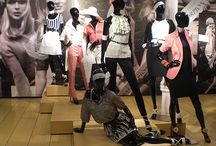 Visual Merchandising / The most important factors that retailers should consider in visual merchandising to boost sales of store