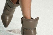 Heels that heals / Shoe biz