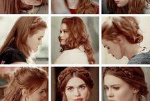 Holland Roden (Lydia Martin)