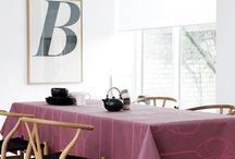 Georg Jensen Damask / Gennem generationer har Georg Jensen Damask designet og fremstillet damaskvævede kvalitets tekstiler til hjemmet. Traditionen med at samarbejde med Danmarks allerbedste arkitekter, designere og kunstnere sikrer en bred kollektion – med udspring i forskellige designeres individuelle inspiration og stil. Blandt andre Arne Jacobsen, Nanna Ditzel, Puk Lippmann, Diana Holstein m.fl.  http://designklassikershop.dk/shop/georg-jensen-damask-27s1.html