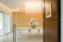 Modern style / Arredamento in stile moderno per una casa dalle linee pulite ed eleganti.