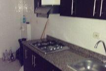 Apartamento en Valle del Lili / ¡Tenemos un nuevo apartamento SUPER ECONÓMICO!  - 3 Habitaciones, una con baño y todas con Closet. - Sala  - Comedor  - Cocina integral  - Parqueadero  Canon: $700.000 Incluida Administración  ¡Llamanos ya! Tel: 3963560