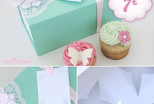 O nosso Kit de Oferta Dia da Mãe / Ofereça uma prenda original e personalizada! Uma caixa feita pela Chapéu de Papel com 2 Cupcakes Deliciosos da Bitacake.   //Preço: 7€ //Mais info: chapeu.papel@gmail.com