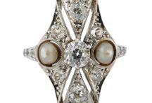 Art Deco Jewellery / Original jewels from the 1920's-1930's