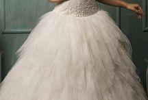 Brudekjoler, sminke, hår og tilbehør