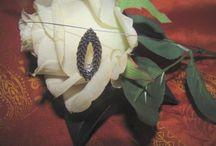Sengasmas / Die Liebe zum Kunstwerk hat die Künstlerin Agnes Winzig seit Jahren nun nach erfolgreicher Zusammenarbeit mit der Präsentation Ihrer einzigartigen Schmuckkollektion in Atelier oder auf Messen und Märkten inspiriert, einen wundervollen edlen Shop zu kreieren.
