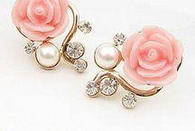 Jewelry / by Gladys Wurschum