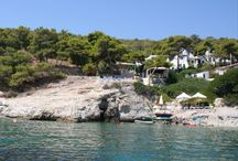 Cozy rosy right on the sea / On a little island one hour away from athens