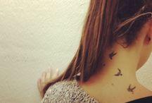 tatouage oiseaux nuque