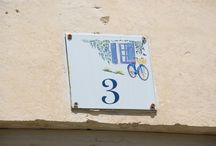 plaques de maison / les numéros des maisons sont décorés