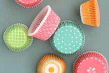 Bakeware & Cupcake Liner / by Caroline Yeoh