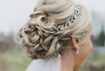Bridal hair / Wavy hair, with headband, and veil