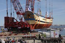 «Полтава» на плаву / В День празднования 315-летия Санкт-Петербурга в Яхт-клубе Санкт-Петербурга был торжественно спущен на воду 54-пушечный линейный корабль «Полтава».