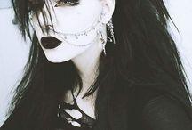 Goth makeup & hair