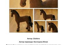 kon na szydełku