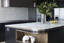Bathroom consoles & countertops / Gebogen