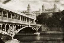 Paris, mon amour! / The city of blinding lights