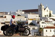 Lisbon and Algarve Sidecar tours / Visit the famous sights and unknown places of rare beauty. Let yourself be guided by breathtaking landscapes and dare to know the secrets of our most famous local lifestyle.