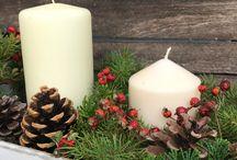 Gestecke und Kränze in der Weihnachtszeit