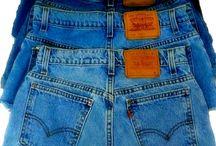 Şortlar  bermudalar pantalonlar.