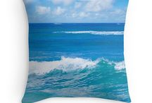 Ocean and beach Home decor / Inspiration & tips for decorating your home with a coastal and beach themes.  Bring the piece of tropical paradise into your house! Look at my other coastal decor here - beachlovedecor.com #homedecor #livingroomdecor #bedroomdecor #bedroomideas #duvetcover #pillowcover #beachlovedecor #coastal #ocean #beach