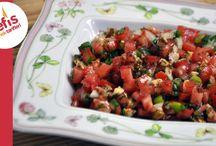 Salatalar ve Mezeler / by hülya atila