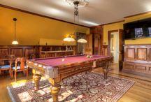 B I L L A R D S / Billards & Pool Rooms