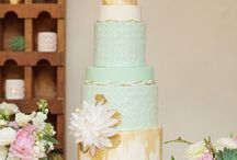 Mint Green & Gold Wedding Theme / One of 2014 hottest trends. This is one gorgeous colour combo!