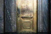 Door / drzwi/ puerta