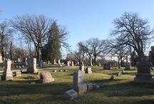Cemeteries / Photographs of West Chicago cemeteries. Links to genealogical resources regarding cemeteries.