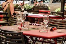 Garden / Come to visit our refreshing and cool dehor Il nostro dehor fiorito e rinfrescante per un pranzo o una cena all'aperto dall'atmosfera magica